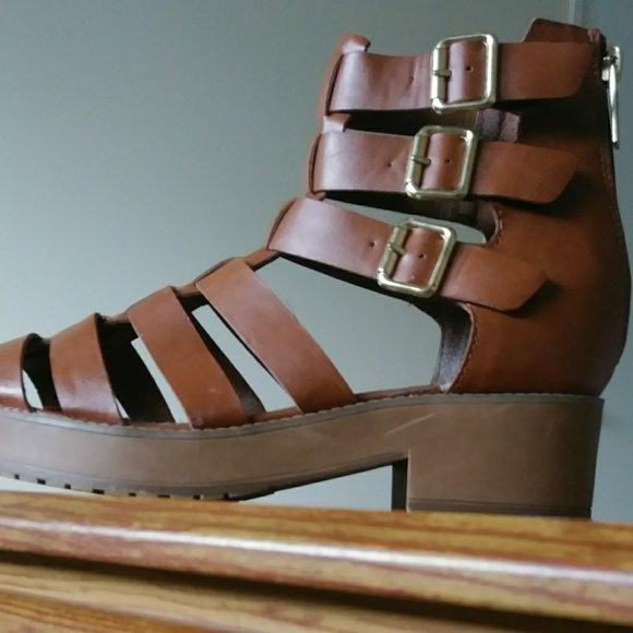 5e13b80eb Breckelles Shoes - Gladiator Sandals